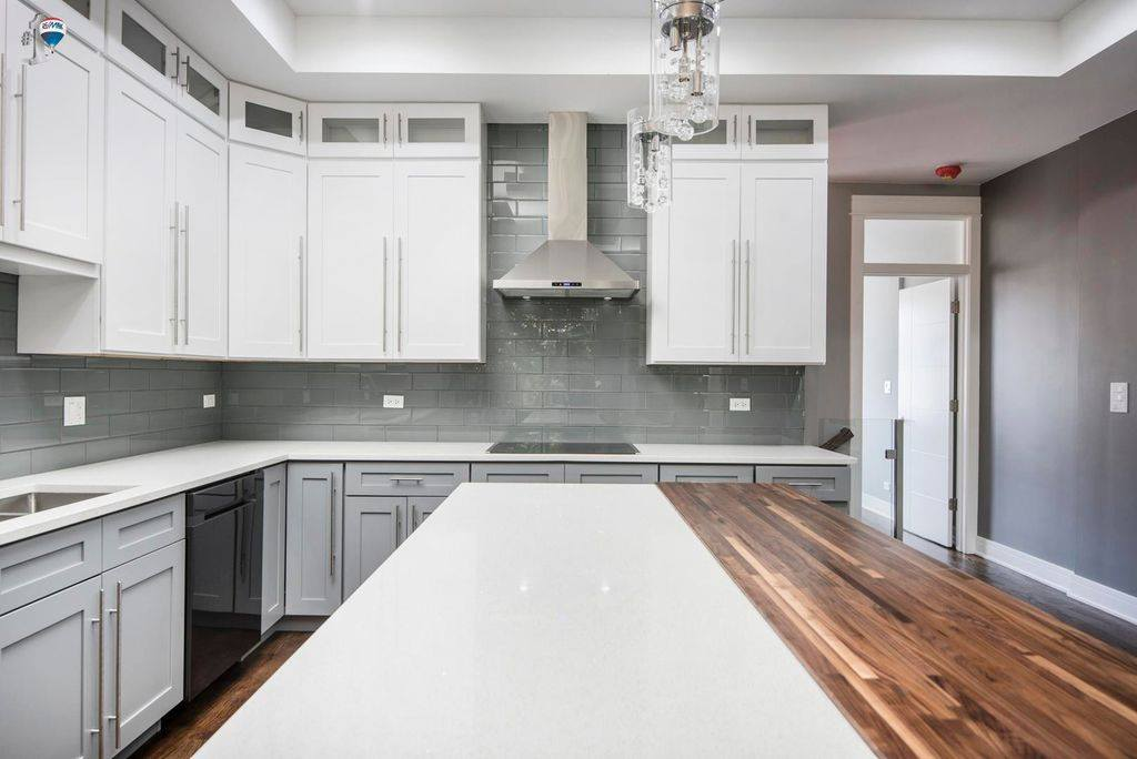 Two Tone Kitchen White Amp Gray Amf Cabinets